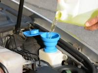 Skládací trychtýř - nálevka pro nádobku ostřikovače ( vhodné pro všechny vozy VW / Škoda / Audi / Seat)